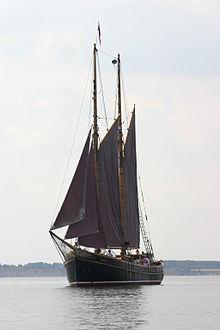 Thuyền Xe-Bec
